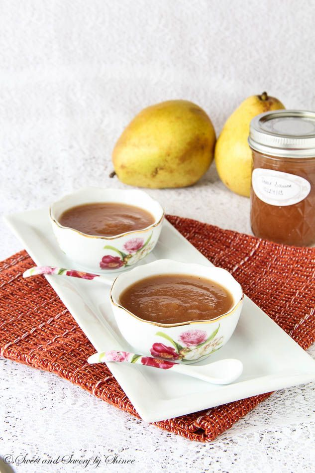 Homemade pear sauce in slow cooker! It can't get any easier than that ...