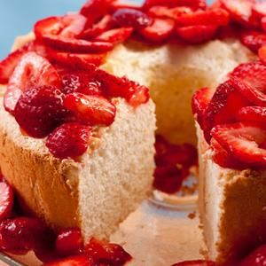 Passover Orange Angel Food Cake with Strawberries Recipe from Chow ...