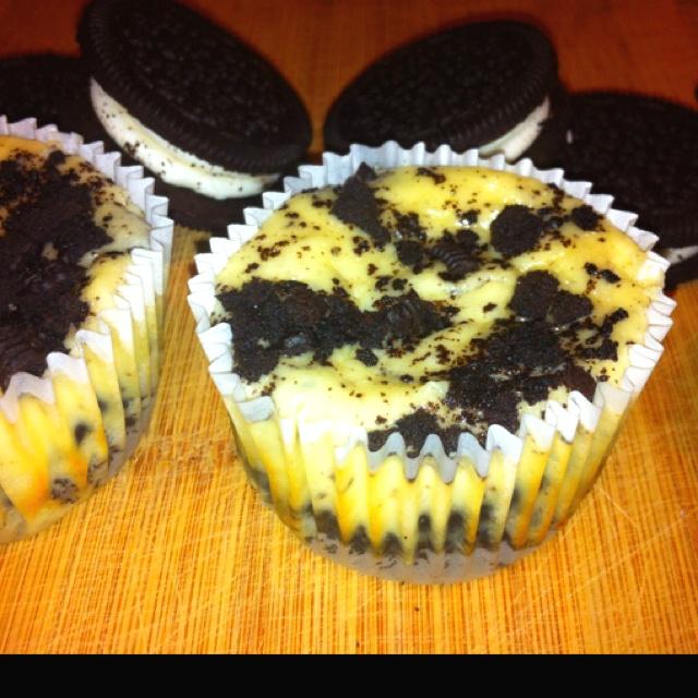Cookies N Cream mini cheesecakes | Food | Pinterest