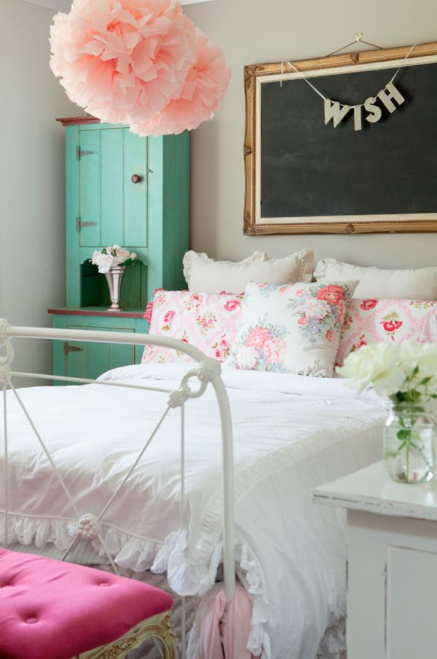 A cozy bedroom pinterest for Cozy country bedroom ideas
