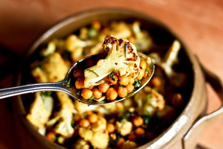 Cauliflower, Chickpeas & Caramelized Tofu