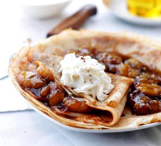 Bananas-Foster-Crepes Recipe - RecipeChart.com #Breakfast #Dessert