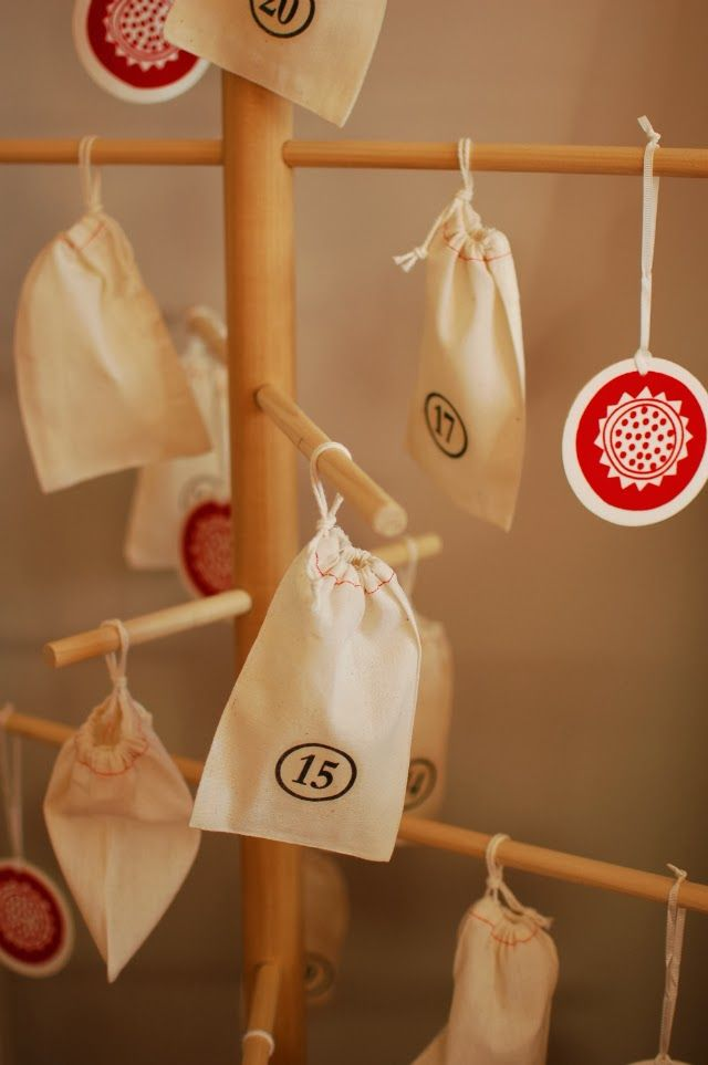 ... in the middle: christmas advent calendar: danish wooden dowel tree