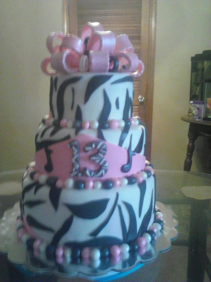birthday cake for 13 year old girl cool cakes pinterest. Black Bedroom Furniture Sets. Home Design Ideas