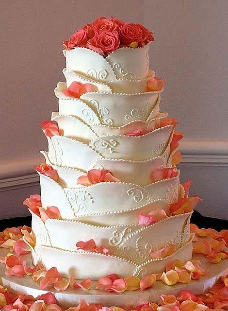 Wedding Cake With Sugared Rose Petals beautiful cakes ...