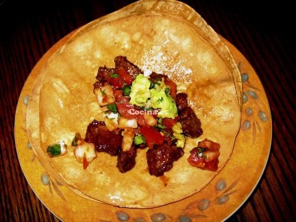 Masa para tacos: http://masa-para-tacos.recetascomidas.com/