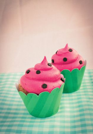 Watermelon Cupcakes - Adorabel for summer BBQs :)