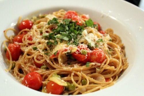 Whole Wheat Spaghetti w. Artichoke Hearts & Peas in a White Wine Sauce ...