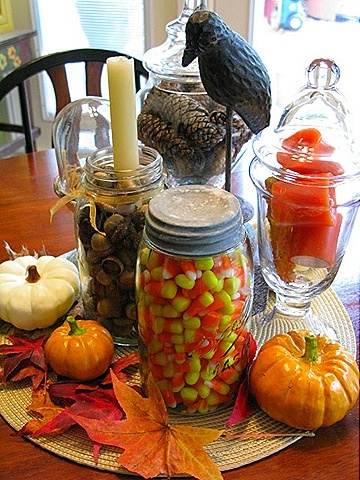 Home Decorating on Frugal Fall Decorating   Cozy Little House   For The Home