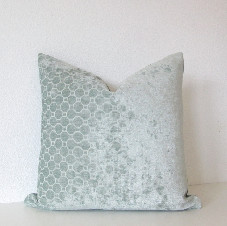 Decorative pillow cover - Throw pillow - 20x20- Light Blue - Geometri?
