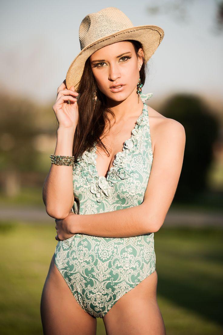 Pin by womanly argentina on trajes de ba o pinterest for Ganchos para trajes de bano