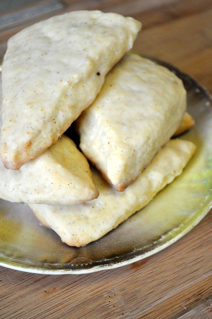 Petite Vanilla Bean Scones | Recipes to Cook | Pinterest