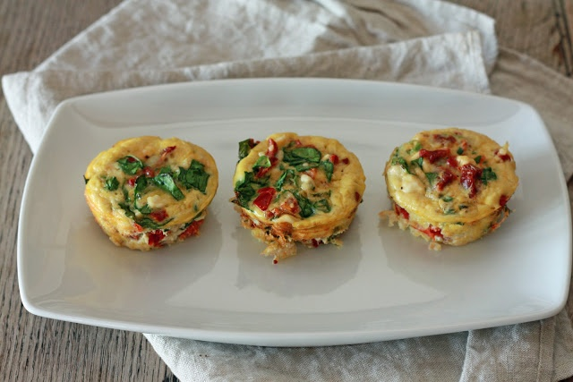 mini spinach + feta frittatas. | breakfast | brunch | eggs | Pinterest