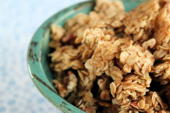 Maple pecan granola. Think I'll use the hazelnut oil that I have ...