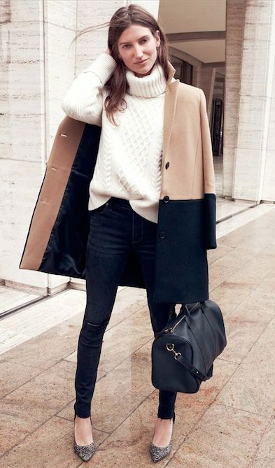 Love this two toned coat for the winter.