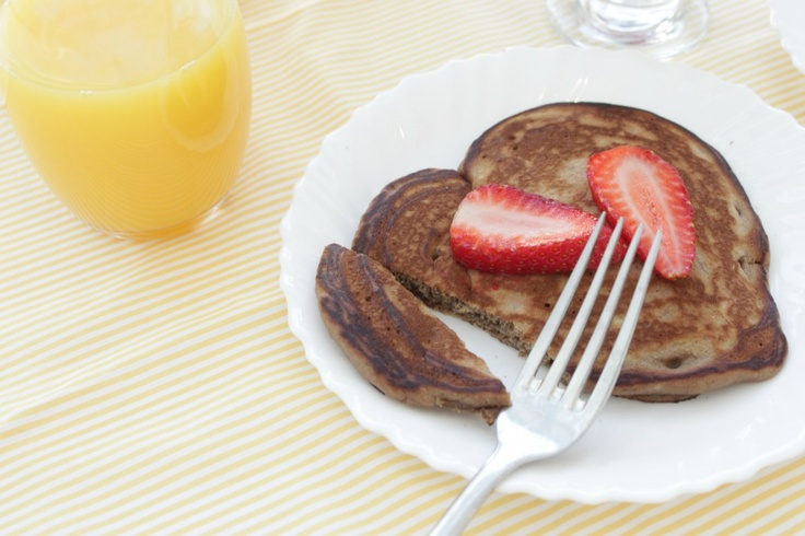 heart Nutella Pancakes to celebrate World Nutella Day!