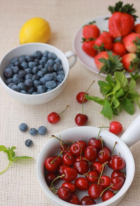 Quinoa Fruit Salad with Greek Yogurt | Recipe