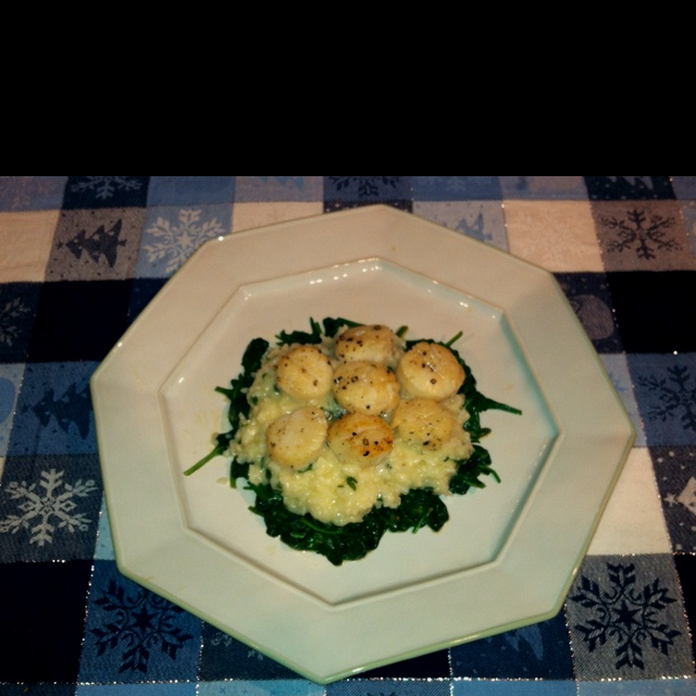 Seared Scallops Over Wilted Spinach And Parmesan Risotto Recipe ...
