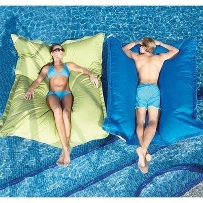 Pool Pillow..want!