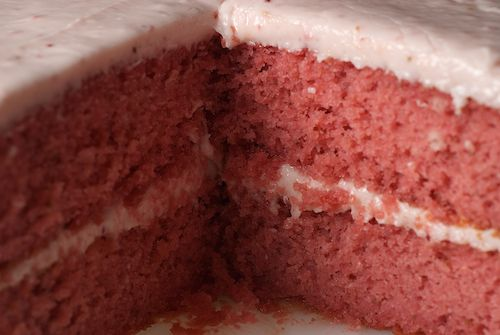 Strawberry Cake with Strawberry Cream Cheese Frosting made with Duncan ...
