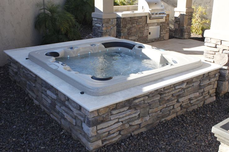 Inground Spas With Stack Stone : Stacked stone hot tub this could come in handy