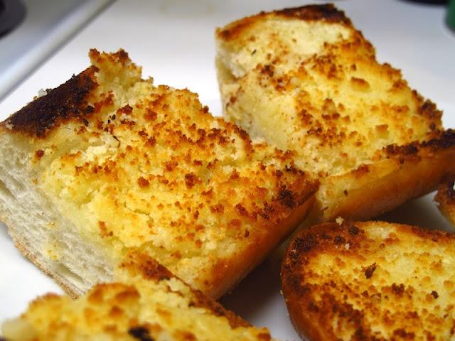 Cheesy Garlic Bread | food | Pinterest