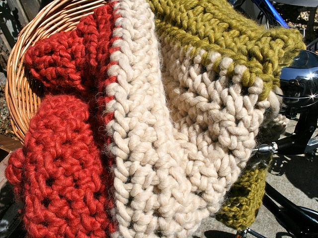 Crocheting With Thick Yarn : Throw with really thick yarn crochet wonders Pinterest