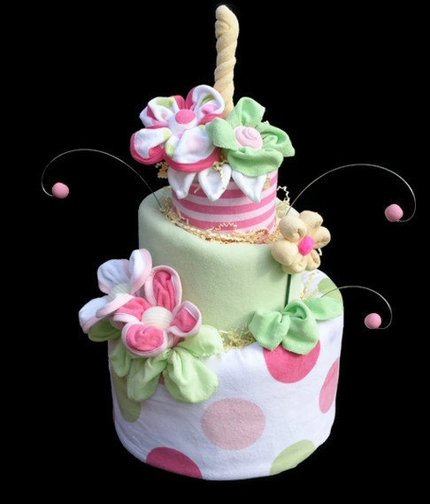Love this!!!     Diaper Cake for a Baby Girl Made to Order Baby by babyblossomco, $140.00 baby-stuff