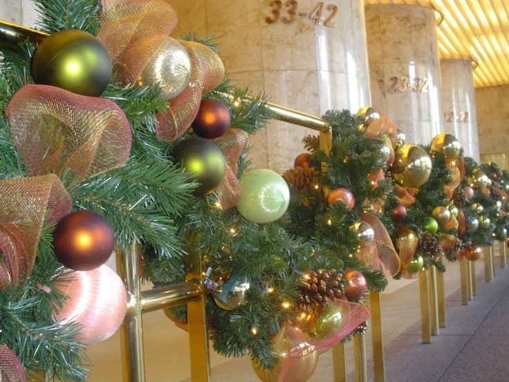 Christmas Decorations In Hotel Lobby : Holiday garland in hotel lobby creative touch