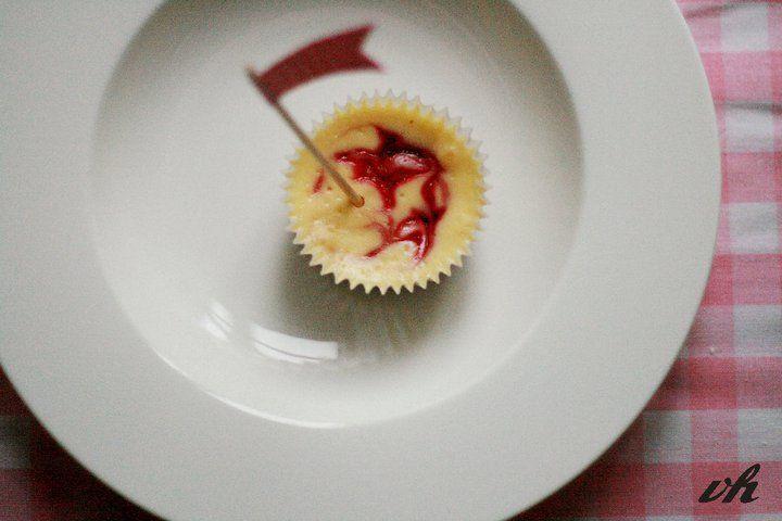 Raspberry Marble Cheesecake Cupcakes