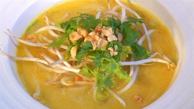 Thai Chicken Noodle soup | Chinese , Japanese, Asian, Thai, Vietnames ...
