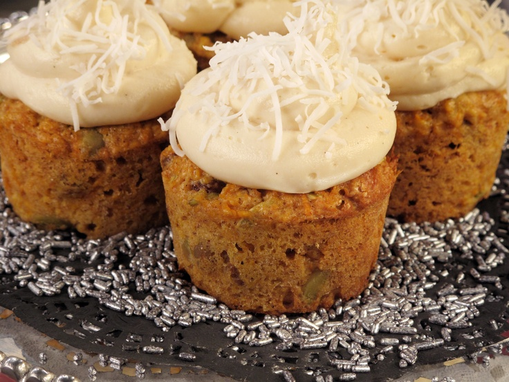 Low-Fat Carrot Cupcakes with Homemade Low-Fat Cream Cheese Frosting ...
