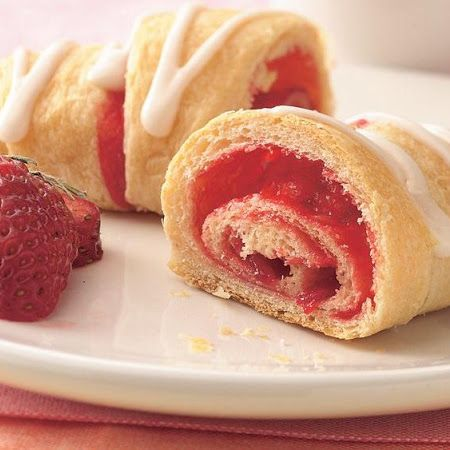 Strawberry Breakfast Crescents | Breakfast Recipes | Pinterest