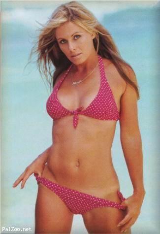 Pat nicole reeves celeb with bikini