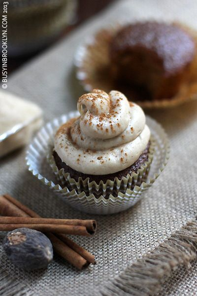 ... Archive » Gingerbread Cupcakes with Brown Sugar Cream Cheese Frosting