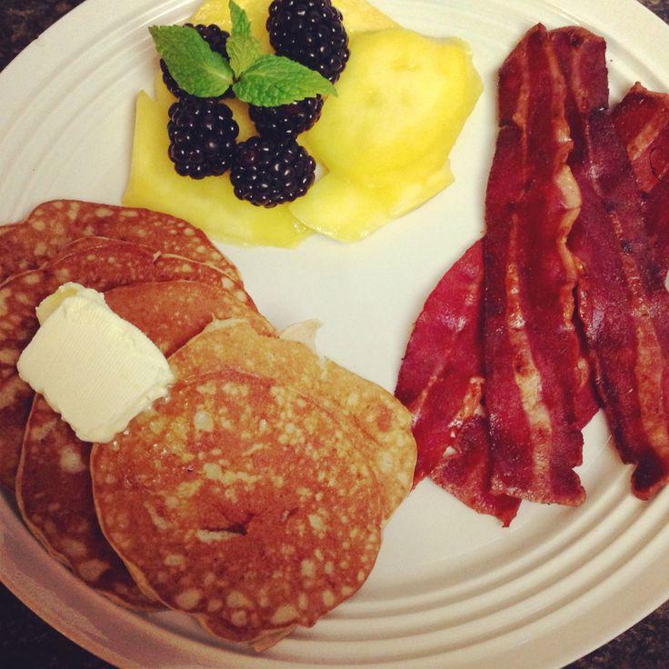 Peanut butter & banana pancakes, spiced turkey bacon, and mangos ...