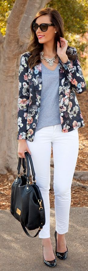 Fall floral + white skinnies.