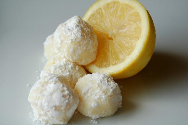 White Chocolate Lemon Truffles   Nom Nom Nom: Sweet   Pinterest