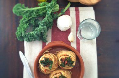 Spaghetti with Kale and Tomato Sauce — Punchfork