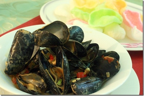 Thai Red Curry Mussels With Coconut Milk