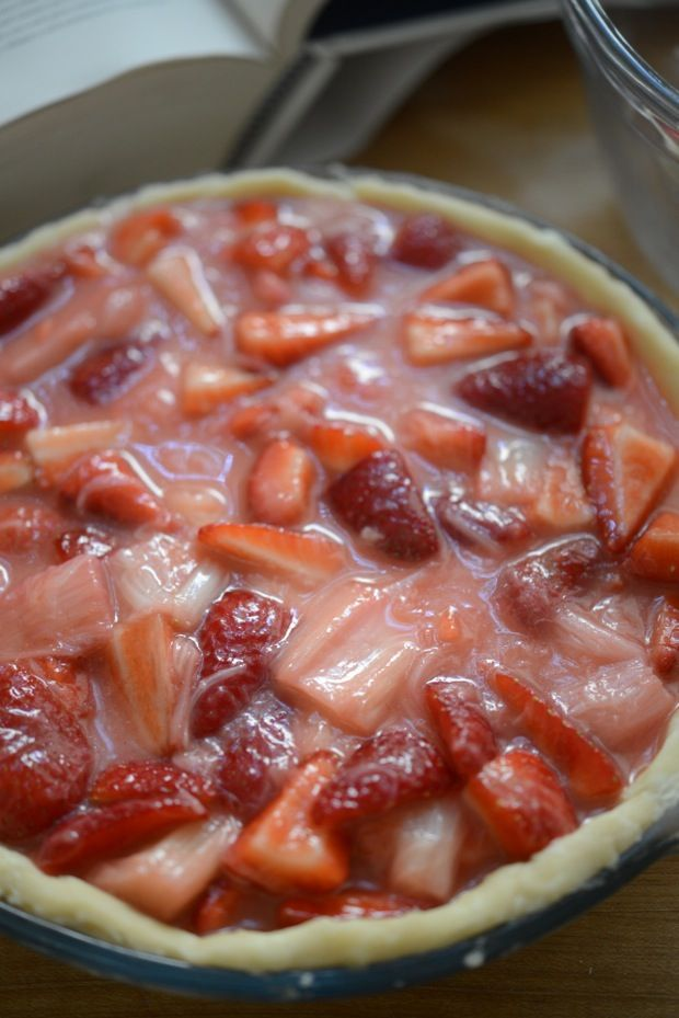 Strawberry Rhubarb Pie from Cupcakes and Cashmere {musttt try ...