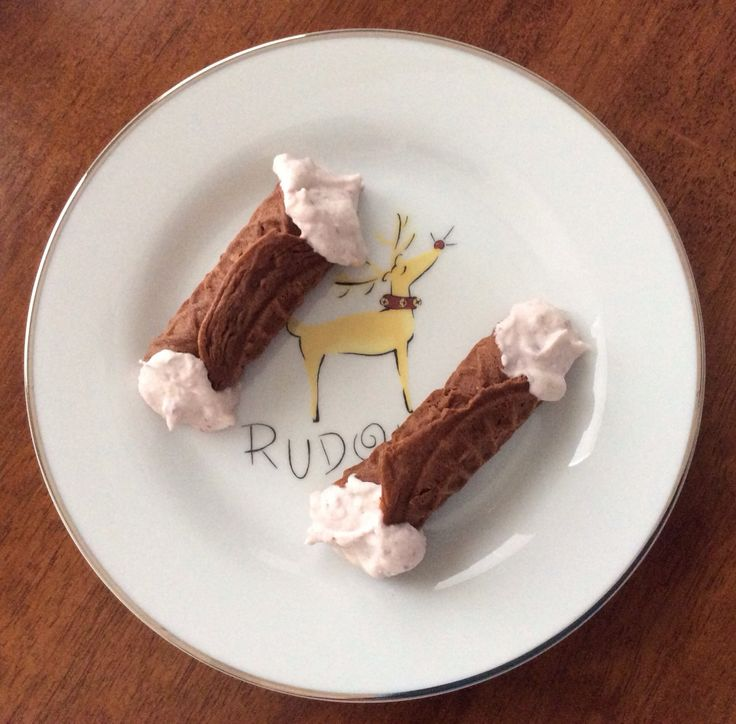 Gluten Free Chocolate Pizzelle Cannoli with Raspberry Ricotta Filling ...