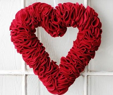 Heart Wreath Valentine's Day Craft by The Idea Room