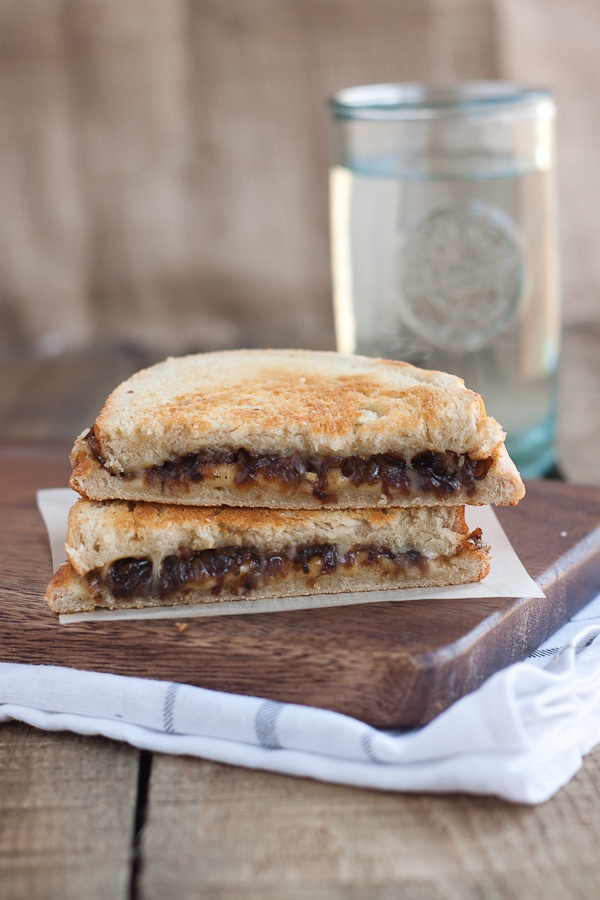 French onion grilled cheese sandwich - Tastes just like french onion ...