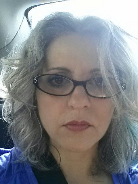 Eyeglass Frames For Gray Hair : Tousled gray hair & glasses Aging Gracefully Pinterest