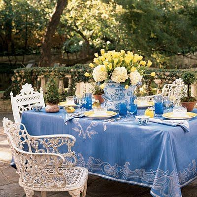 Blue And White Outdoor Table Setting Garden Ideas