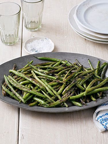 Sesame oil and soy sauce lend these Skillet Green Beans Asian flair..