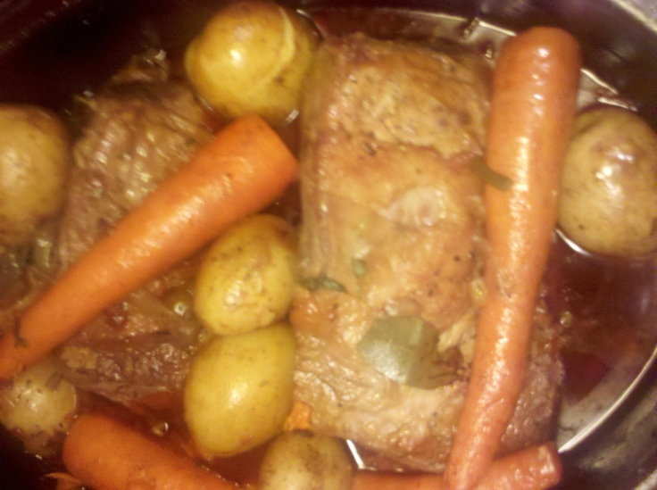 Beef rump roast in hearty sauce recipes i want to try pinterest