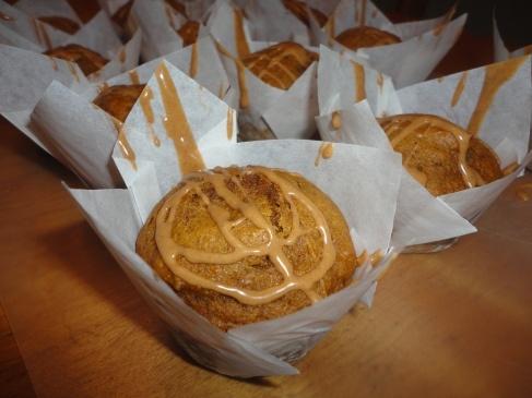 Pumpkin Pie Spice Muffins with Cinnamon-Vanilla Glaze | YUM ...