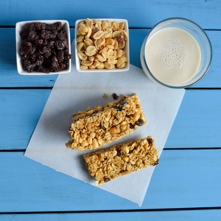 Easy, Chewy Fruit and Nut Granola Bar Recipe